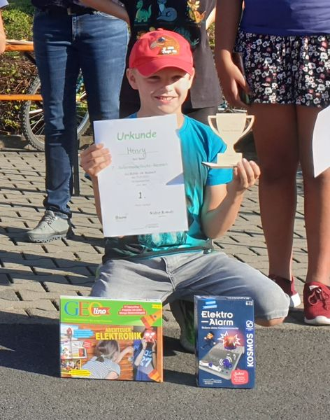 Solarmodellauto-Rennen 2021, 1.Platz: Henry Hof